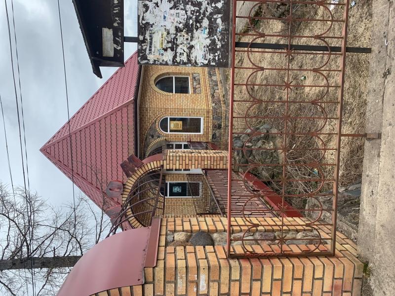 Коммерческая недвижимость 233 кв. м.